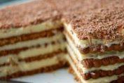 Вкусна бисквитена торта, в която ще се влюбите