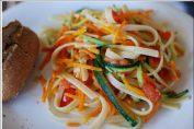 Свежи спагети със зеленчуци - вкусно изкушение без допълнителни калории