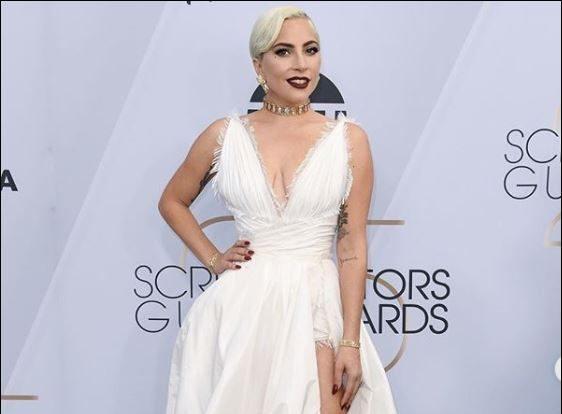 Лейди Гага блести на наградите SAG