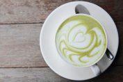 Мляко със зелен чай за отслабване