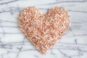 Излекувай хремата със сол: Рецепти за запушен нос, грип и други болести на дихателните пътища
