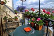 15 страхотни идеи за малък балкон, за да получите цялото удоволствие от комфорта и гледката